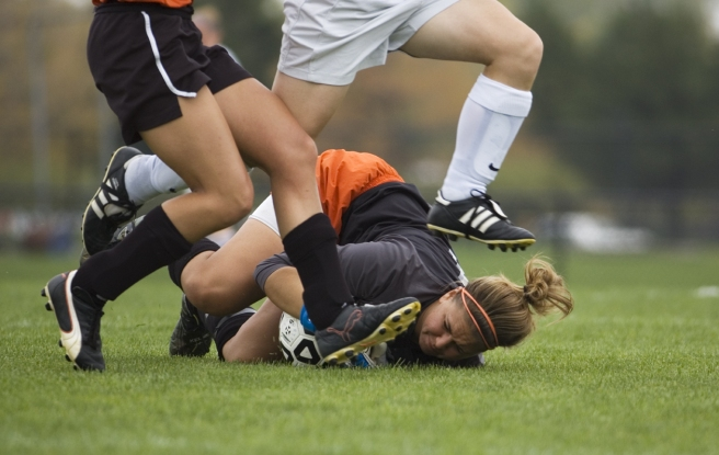 woman soccer player injured