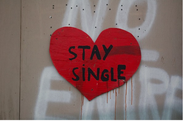 heart that says 'stay single'