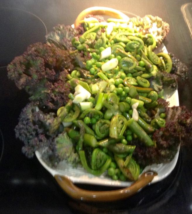 asparagus, fiddle head and pea salada