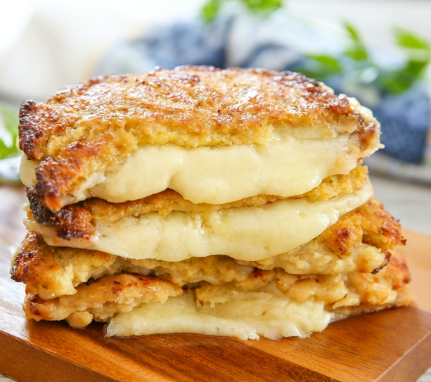 A grilled cheese sandwich made with cauliflower